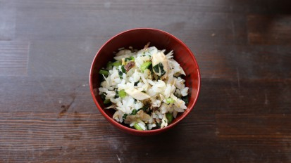 浜焼き鯖とふきの葉の混ぜご飯